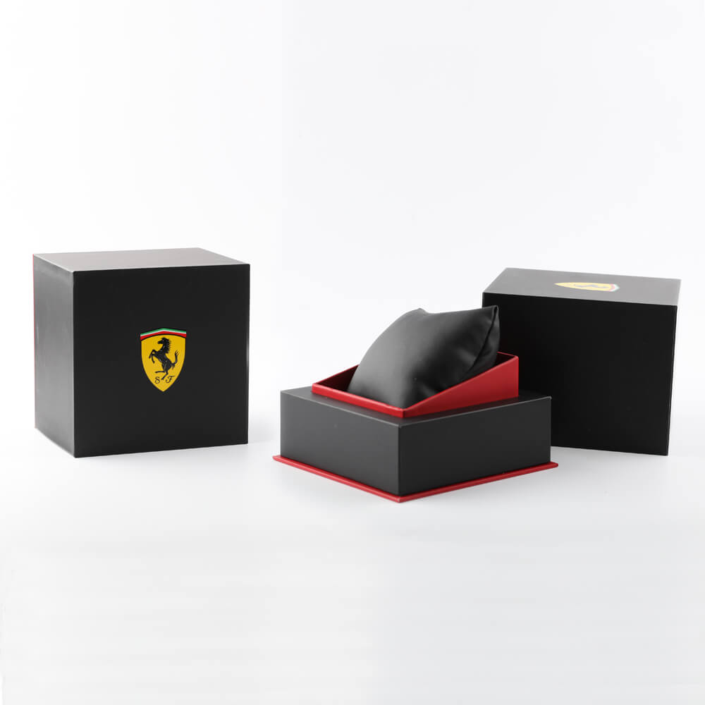 Sporty day-date watch Autumn and Winter Collection Scuderia Ferrari