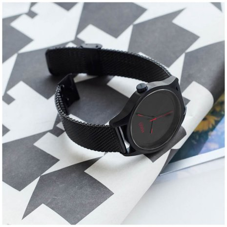 Minimalist mens watch with mesh bracelet Autumn and Winter Collection Hugo