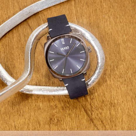 Retro mens watch Autumn and Winter Collection Hugo Boss