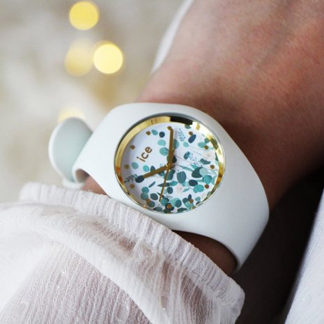 White quartz watch size Medium Spring and Summer Collection Ice-Watch