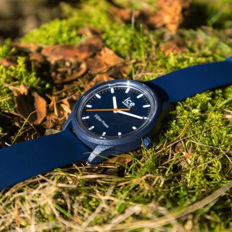Blue solar powered quartz watch Spring and Summer Collection Ice-Watch