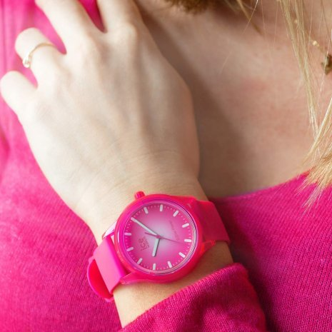 Pink solar powered quartz watch Spring and Summer Collection Ice-Watch