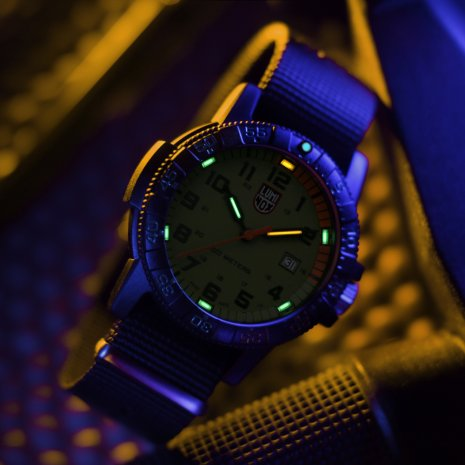 Swiss Made Carbon Military Dive Watch Autumn and Winter Collection Luminox